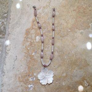 Jewelry - Hippie Flower Necklace